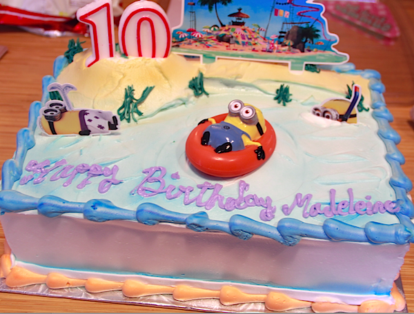 Minion Parties and #KinderSmiles - Birthday Cake