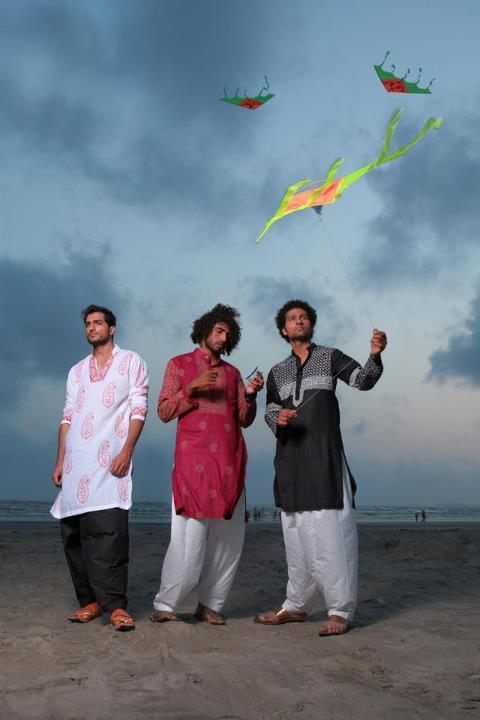 http://2.bp.blogspot.com/-Qbk6K8fgycY/UA6SS3BWi4I/AAAAAAAADss/IMCcdmM5hvc/s1600/Arsalan-And-Yahseer-Summer-2012-Rangeen-Kurta-Collectione.jpg