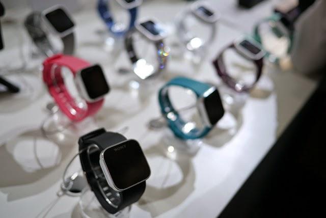 Chytré hodinky v rôznych farbách
