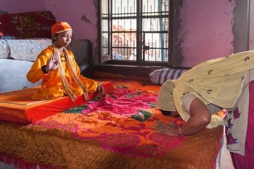 bocah berekor di India