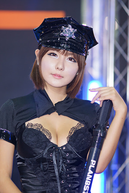 6 Ryu Ji Hye - Seoul Auto Salon 2012 [Part 2]-Very cute asian girl - girlcute4u.blogspot.com