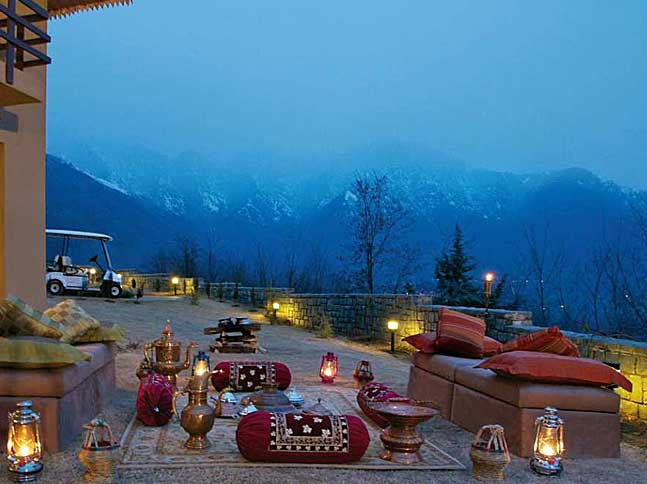 settig up a hotel in srinagar Get the srinagar weather forecast access hourly, 10 day and 15 day forecasts along with up to the minute reports and videos for srinagar, india from accuweathercom.