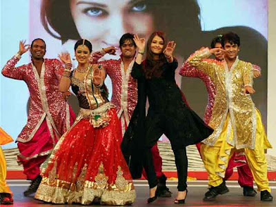Aishwarya Rai hot photos of dancing