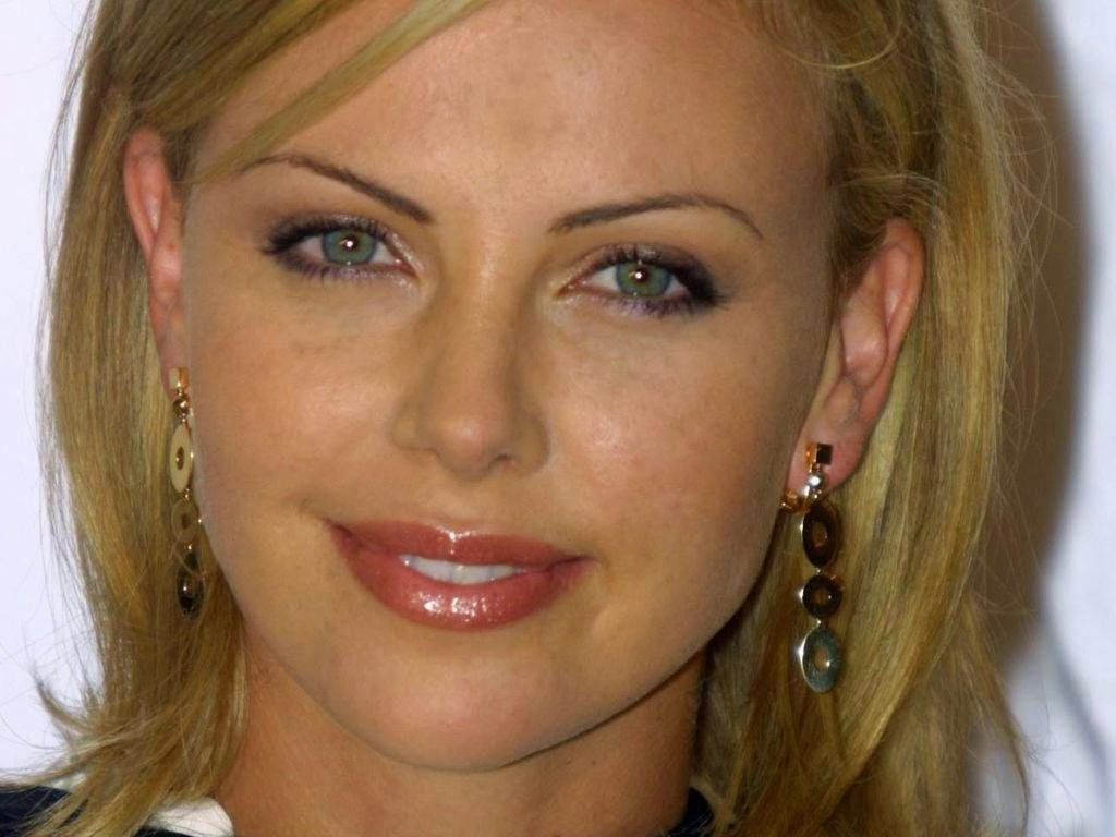 Charlize+Theron+ +South+African+actress010