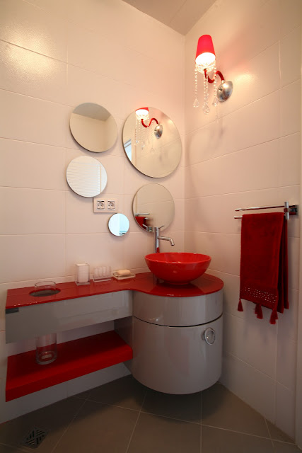 Banyo aynası modelleri-banyo dekorasyonu-yuvarlak ayna modeli