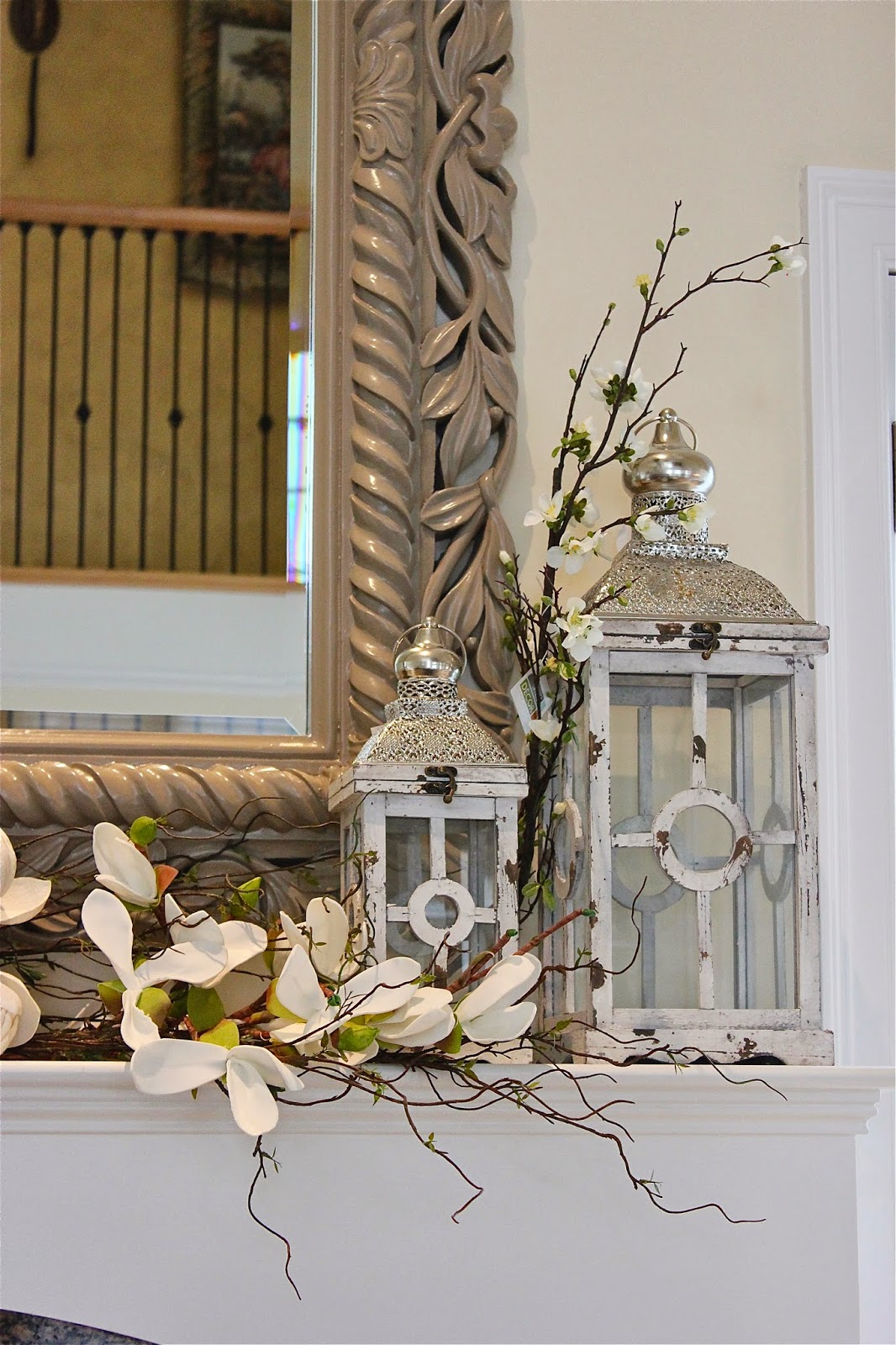 Maison decor styling a mantle with lanterns and florals for Maison decour