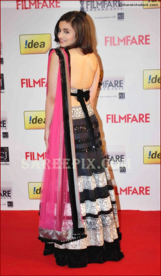 Alia Bhatt  backless in manish malhotra lehenga at FilmFare awards 2013