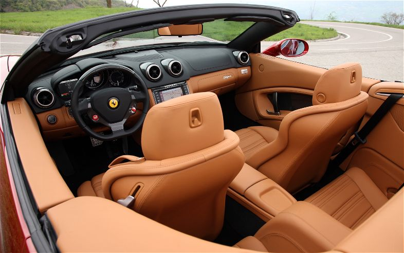 Ferrari California 2013 interior