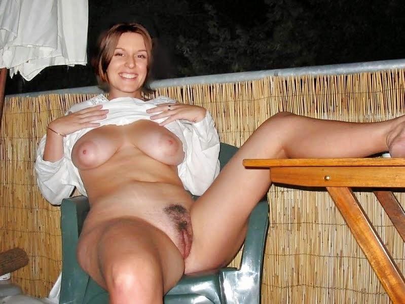 amateur wife naked flash