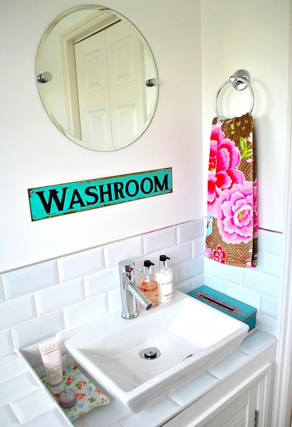 Bathroom Sign Game to da loos: decorating with bathroom signs