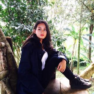Kumpulan Foto Dinda Hauw