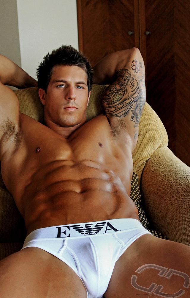 Lee Stram • Male Model