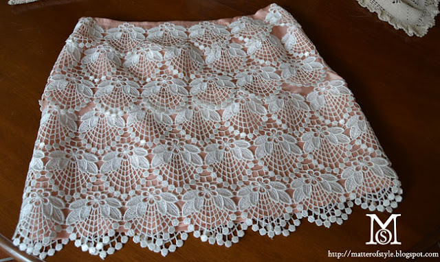 cloth diy, lace skirt diy, louis vuitton, lace,doily lace,lace trend,dolce gabbana, spring 2012,  s/s 2012, lace trim, pink skirt, skirt diy, fashion DIY, tutorial