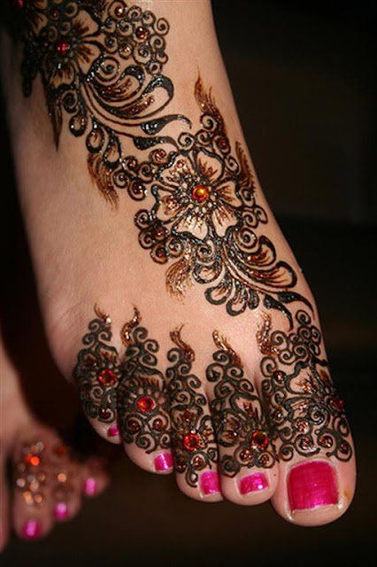Feet Stylish Glitter Mehndi Designs
