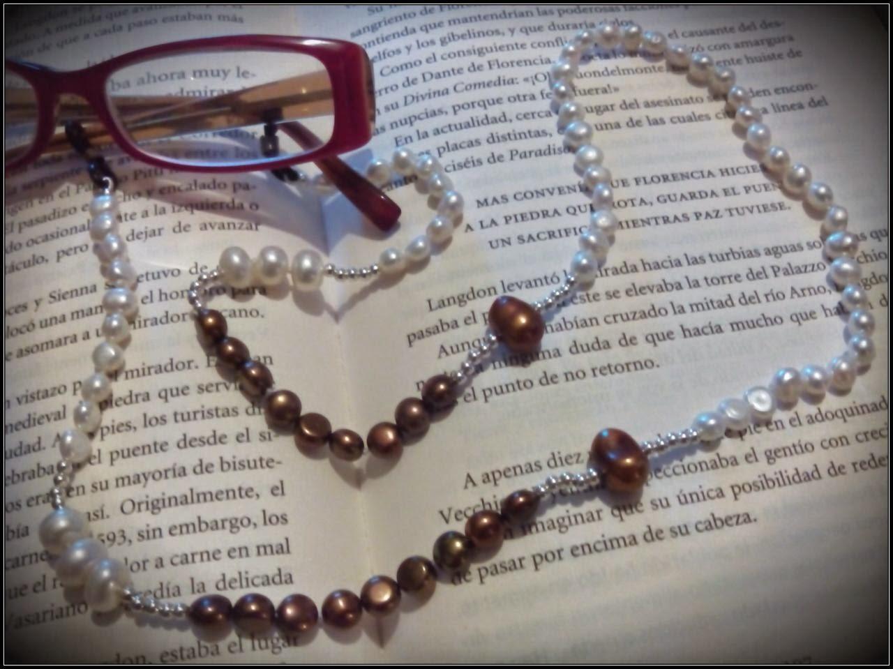 Collar gafas plata perlas barrocas blancas y marrones, personalizado artesanal