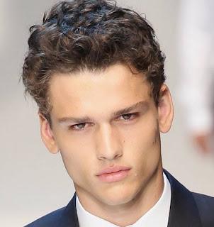 model-rambut-ikal-pria_15423