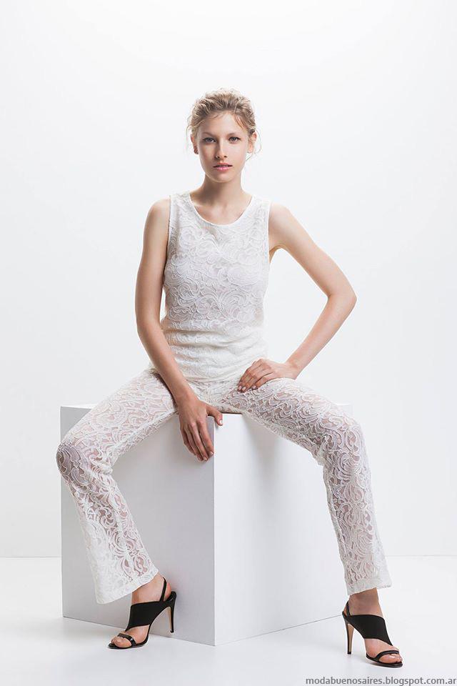 9eb442dd5 ... es la formula que consagra una actractiva muestra de moda como lo es la  versión del verano de la marca argentina