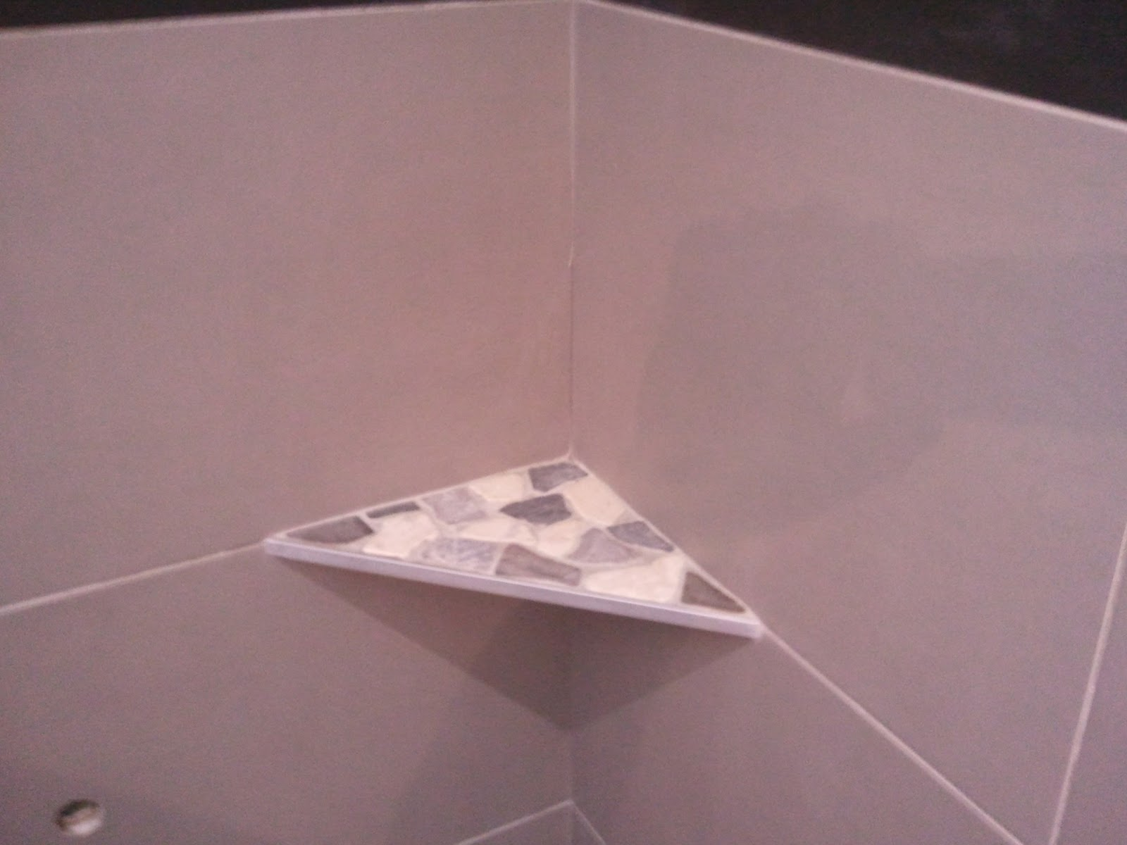 les photos de mes r alisations diverses salle de bains noire et grise en c ramique avec. Black Bedroom Furniture Sets. Home Design Ideas