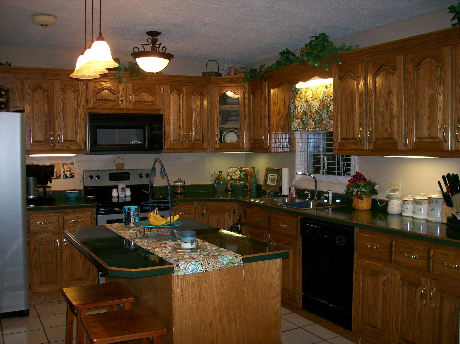Highland Home Memories: Home is where the KITCHEN is