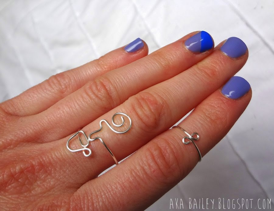 Color blocked blue nails and cute coffee cup wire ring