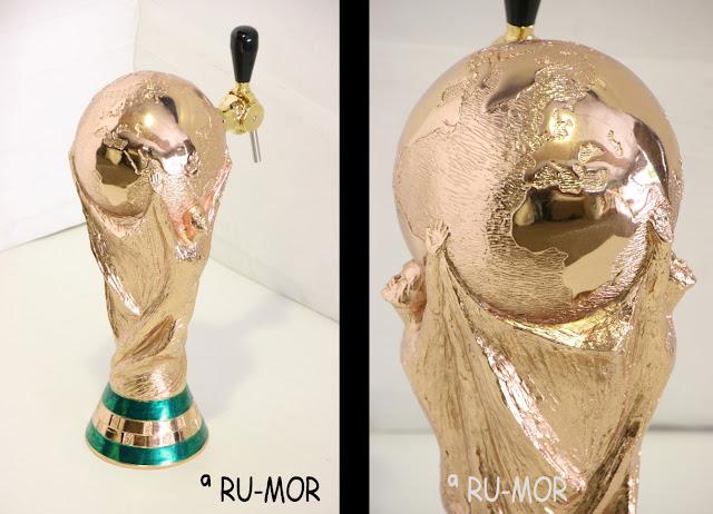 Surtidor de cerveza realizado a partir de la escultura de la copa FIFA hecha por ªRU-MOR para APLIMET2000