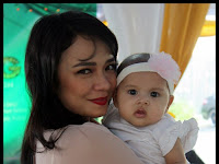 Nora Danish bersama Babygirl dan Gua