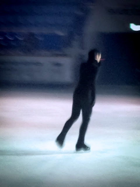 Johnny Weir. Photo © Tara Modlin @ Official Johnny Weir Blog.