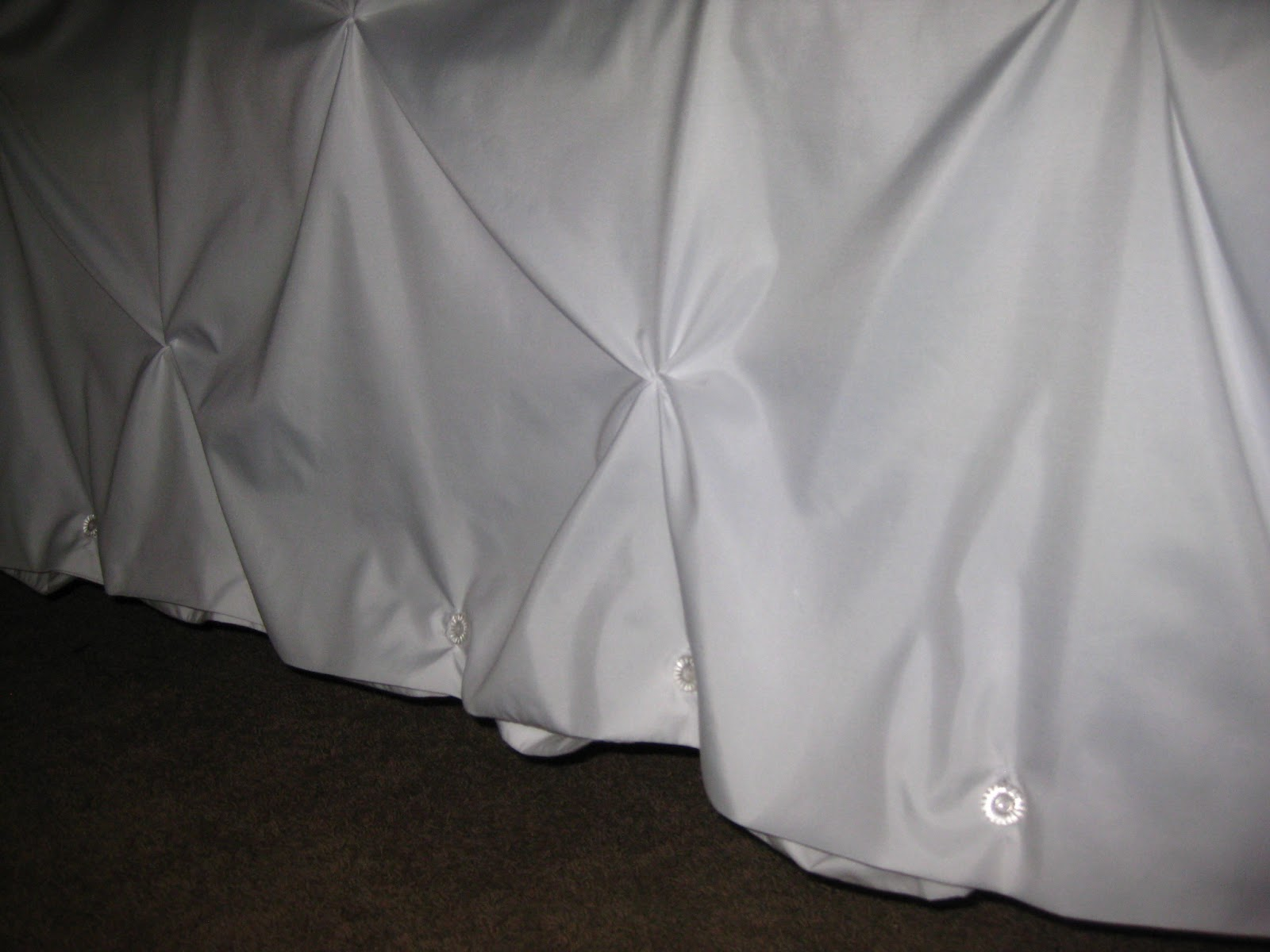 zigzags and blossoming puckered white duvet cover a diy tutorial. Black Bedroom Furniture Sets. Home Design Ideas
