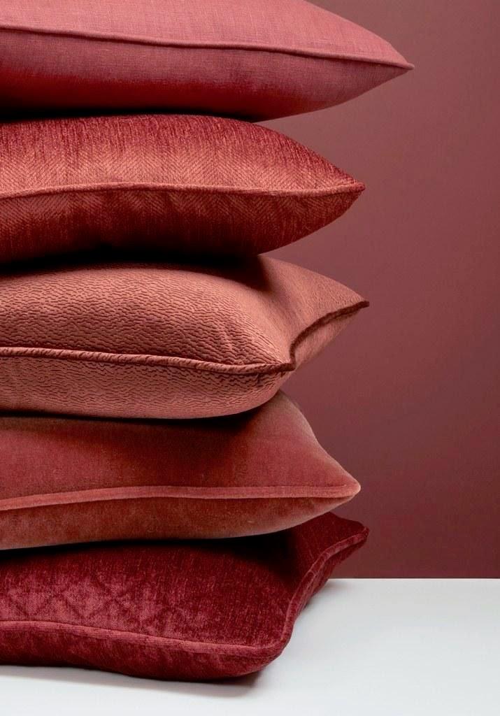 nombrado color del año 2015, el marsala inspira colecciones de moda, decoración de hogares y más