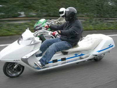 Modifikasi Scooter paling ekstrim di Jepang