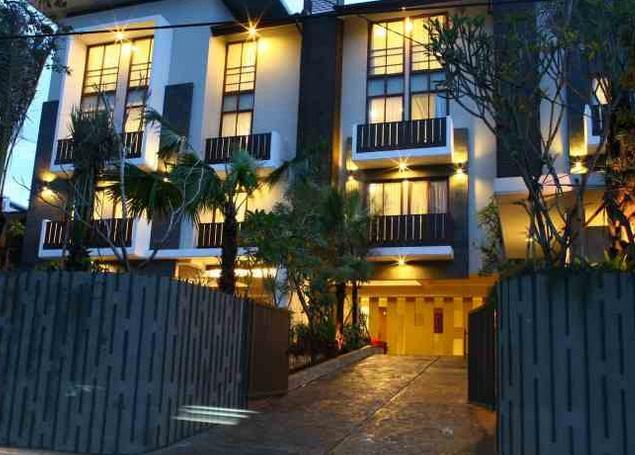 Rasuna Hotel Beralamat Di Jalan Pedurenan Masjid Raya Nomor 9 Kuningan Jakarta Ini Dekat Dengan Lokasi Perbelanjaan Mall Ambasador