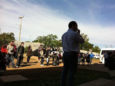 Professores, TAs e alunos reunidos na Unipampa