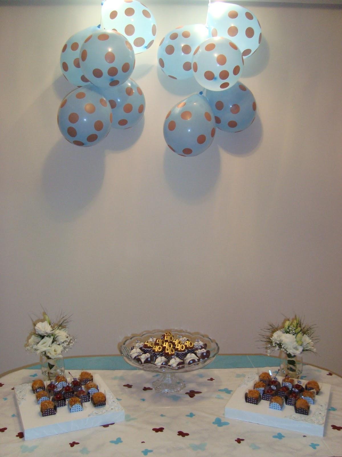 Fizemos uma festa surpresa, foi o máximo! A decoração fui eu quem