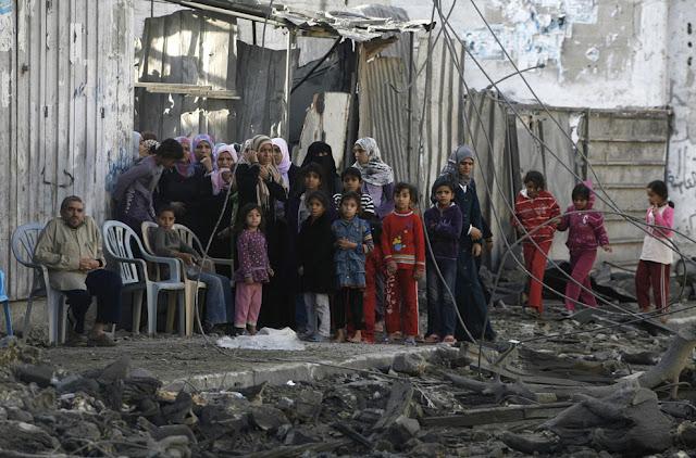 الحرب على غزة Gaza+Under+Fire+%2837%29