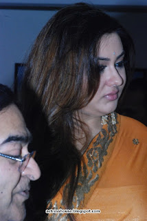 Namitha at Dr Batra's Annual Charity Photo Exhibition