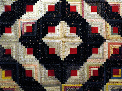 Quilting Assistant : Free Pattern : Traditional Log Cabin