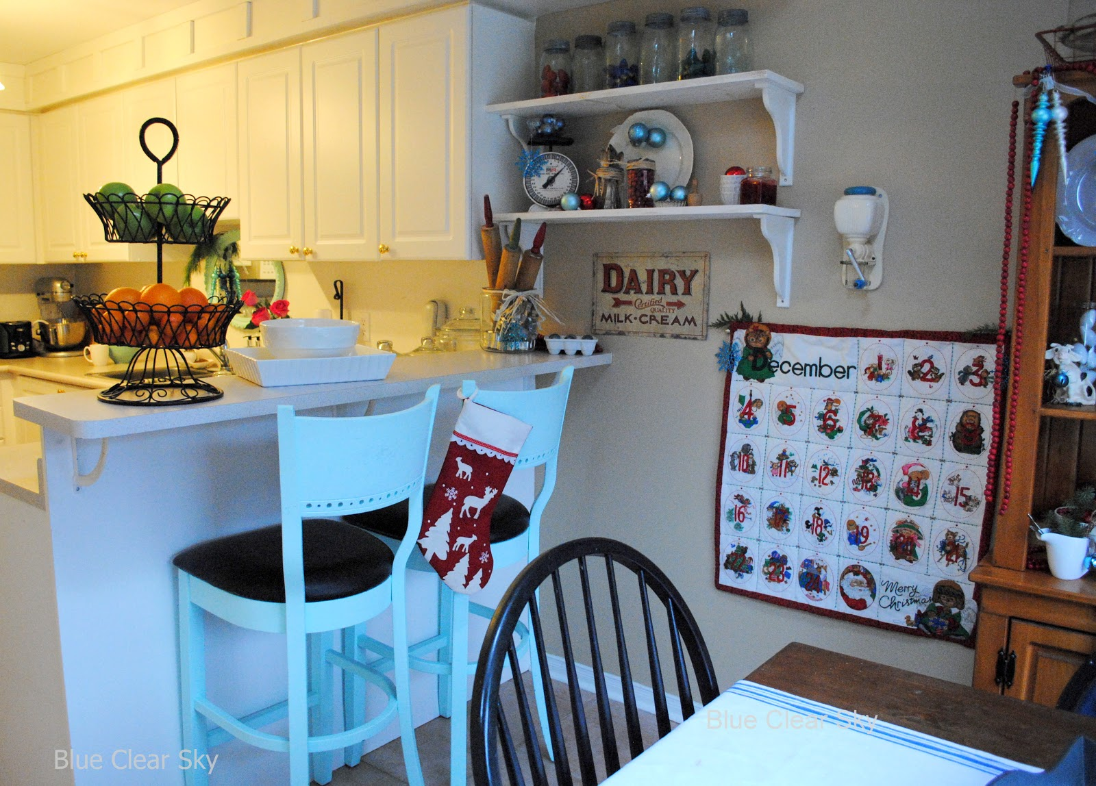 Rustic Maple: Christmas 2012 - Blue and Red Kitchen