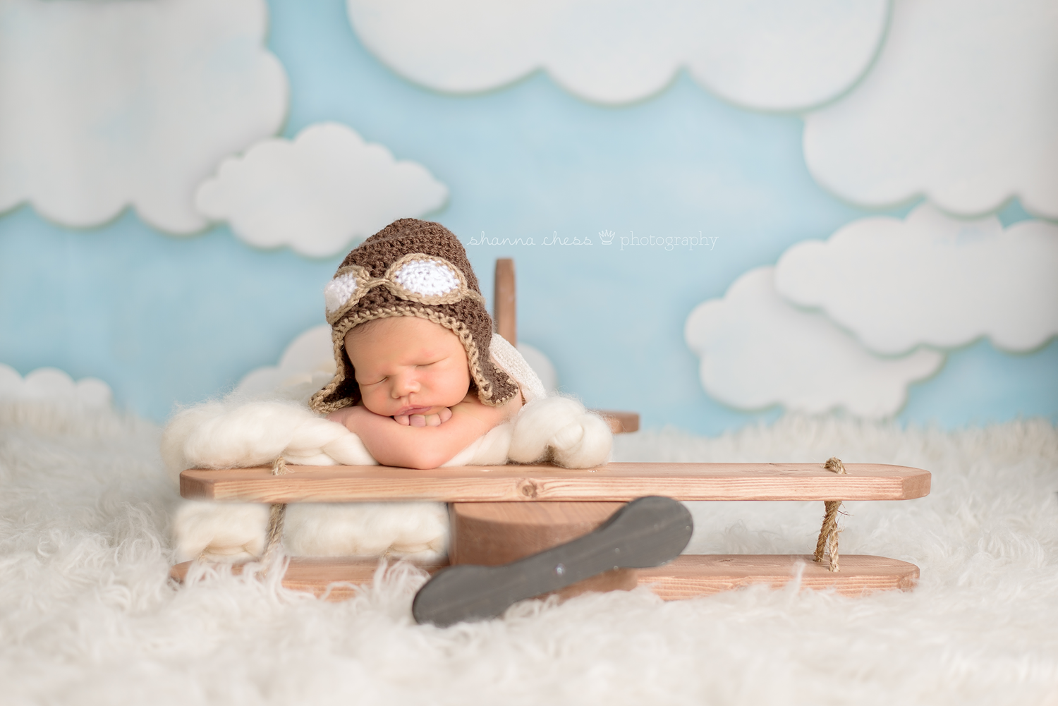 eugene springfield oregon newborn photography airplane