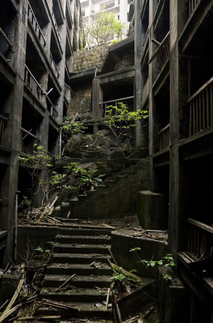 H i a t hey i abandoned that the story of hashima island for Zombie build