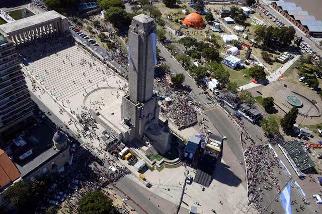 Rally Dakar 2014: comenzó la gran fiesta en Rosario con la largada simbólica ante una multitud Dakar-1821216h627
