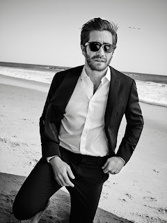 Jake Gyllenhaal covers Esquire Uk magazine.