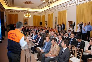 Representantes de vários municípios acompanham o lançamento do Plano Estadual de Proteção e Defesa Civil