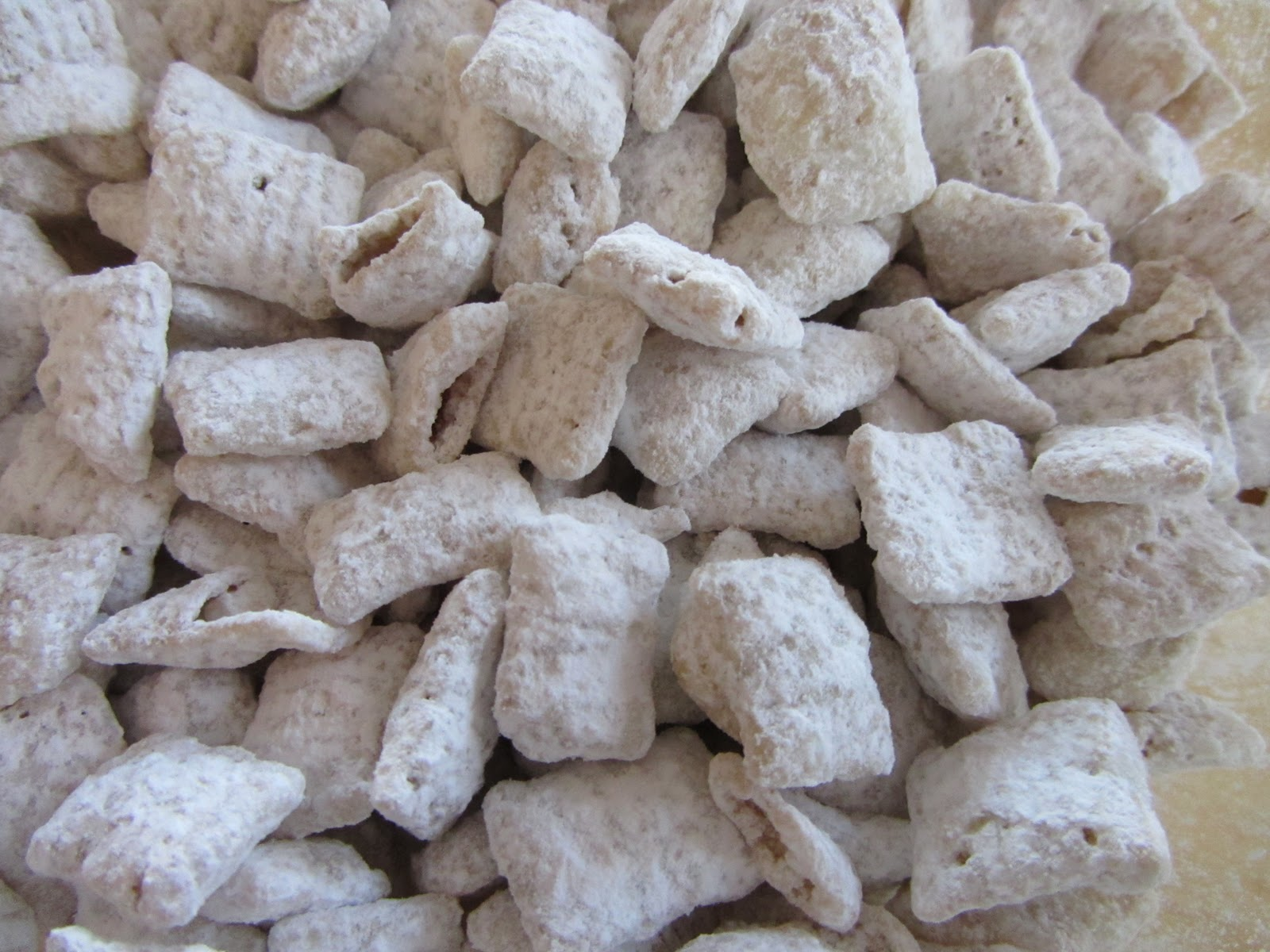 Gluten Free Shortcuts: Lemon Muddy Buddies