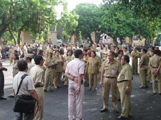 http://jobsinpt.blogspot.com/2012/05/moratorium-pns-hanya-berlaku-hingga.html