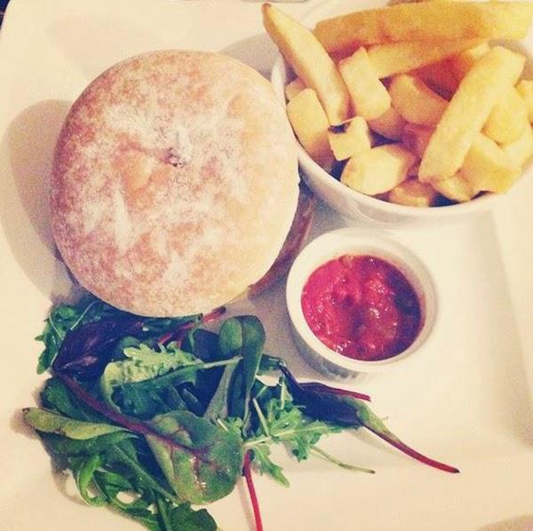 LamourDeJuliette_Burger_Is_My_Diet