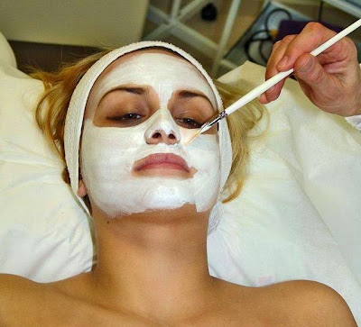 Special masks to remove spots from the face nourish, moisturize and clarify skin.