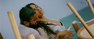 Hot Romantic Video  Be Intehaan Feat. Saif Ali Khan, Deepika Padukone Hot Pics