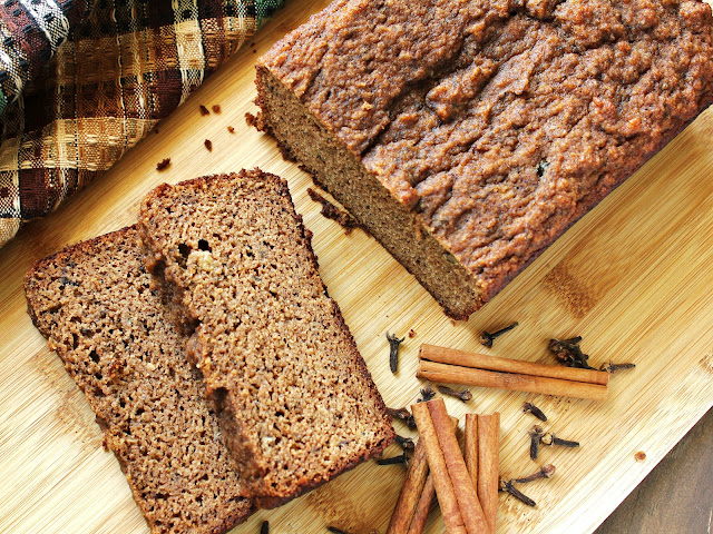 chai spice banana bread made with almond flour, cinnamon, cloves