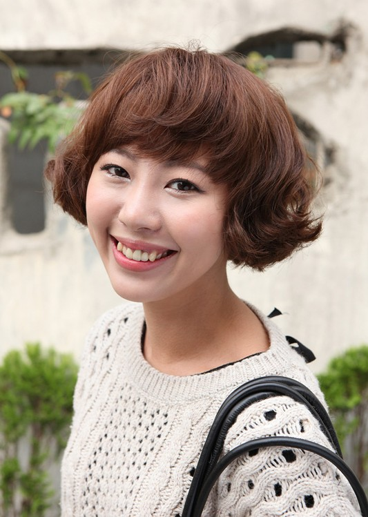 this is really a cute short bob hairstyle for asian girls