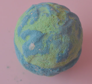 LUSH guardians of the forest bath bomb